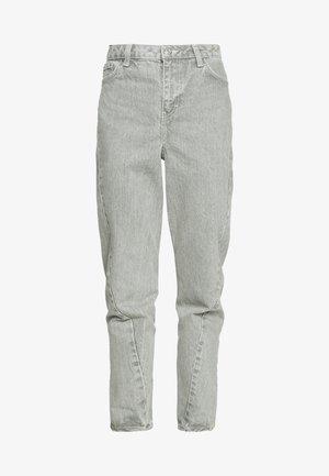 TWIST SEAM MOM - Jeans Tapered Fit - mint