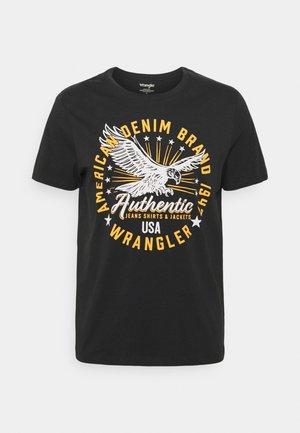 CLASSIC AMERICANA - T-shirt z nadrukiem - faded black