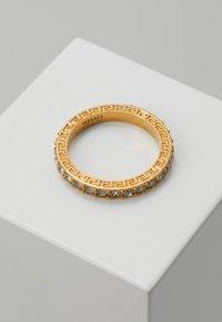 Versace - Ring - nero/oro tribute - 1