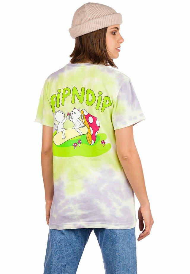 Print T-shirt - neon/lavender tie dye