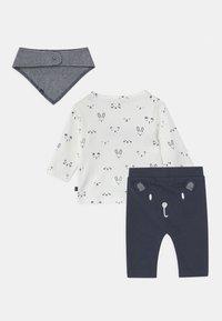Staccato - SET UNISEX - Kalhoty - dark blue/off-white - 1