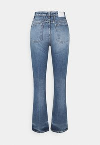 CLOSED - BAYLIN - Flared Jeans - mid blue - 7