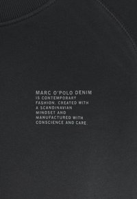Marc O'Polo DENIM - RAGLAN LONGSLEEVE SLITS AT SIDESEAM CHEST PRINT - Sweatshirt - black - 2
