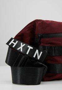 HXTN Supply - UTILITY TAPER CROSSBODY - Bum bag - burgundy - 8
