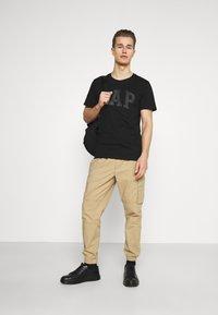 GAP - BASIC ARCH 2 PACK - Print T-shirt - true black - 0