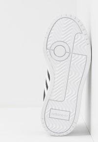 adidas Originals - TEAM COURT - Baskets basses - core black/footwear white/clear black - 5