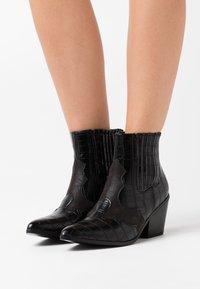 Vero Moda - VMFALIA - Ankle boots - black - 0