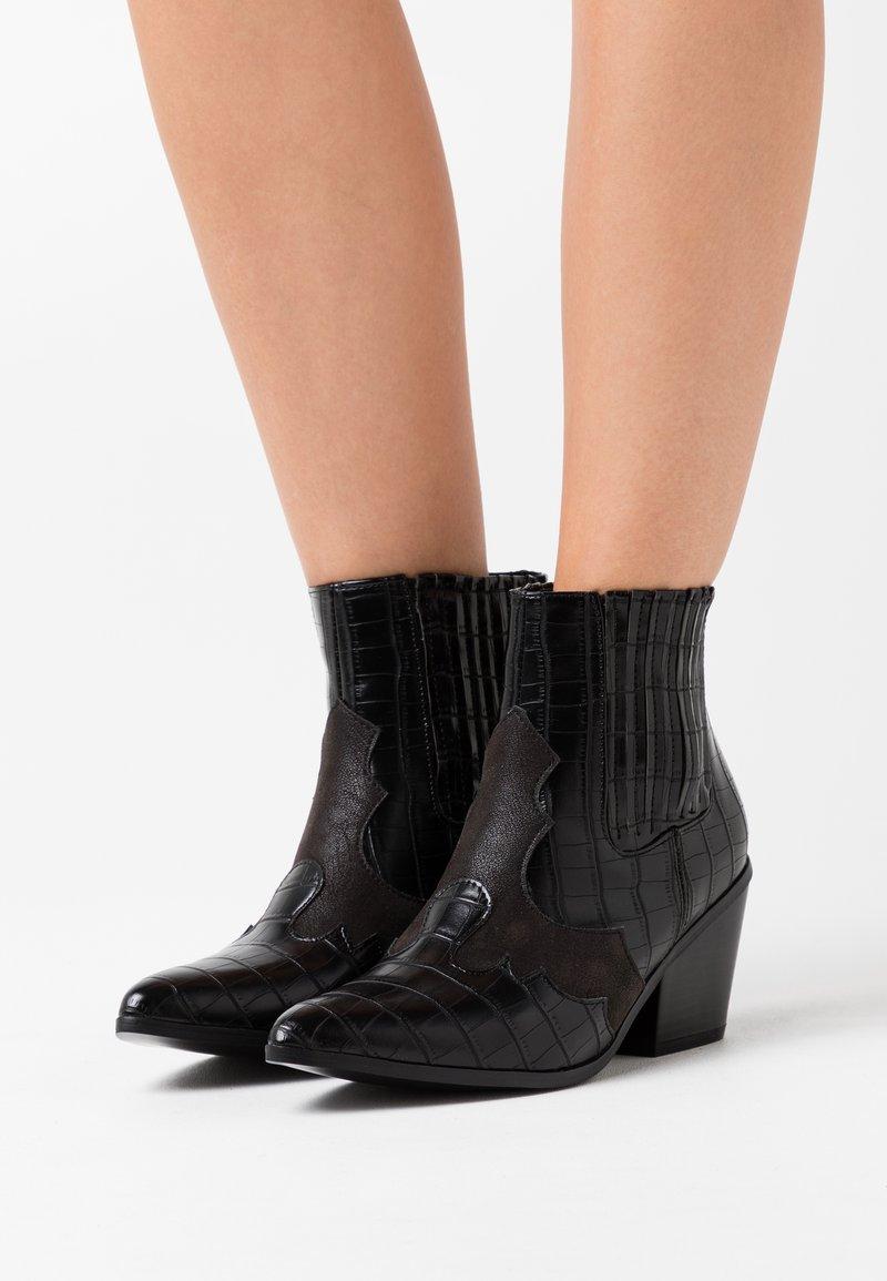 Vero Moda - VMFALIA - Ankle boots - black