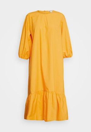 JULY DRESS - Denní šaty - orange