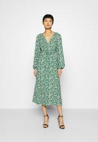 Ghost - ELIZA DRESS - Robe d'été - green print - 0