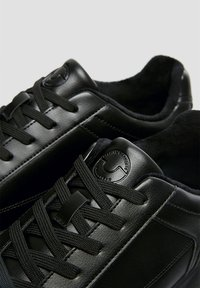 PULL&BEAR - Trainers - black - 5