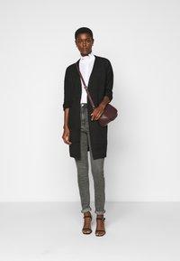Vero Moda Tall - VMLOA - Jeans Skinny Fit - medium grey denim - 1