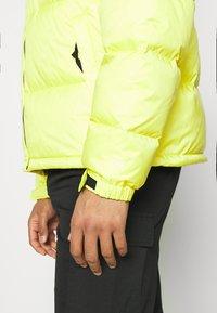 The North Face - RETRO UNISEX - Down jacket - sulphur spring green - 3