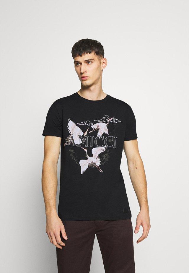 AVELLINO - T-shirt med print - black