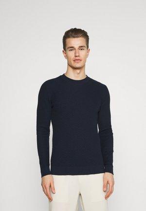 KARLO DIAGONAL  - Stickad tröja - navy blazer