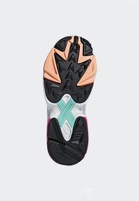 adidas Originals - FALCON - Sneakers laag - black - 5