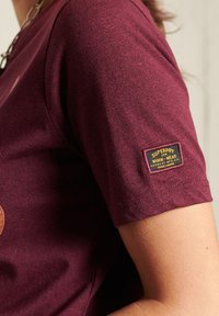 Superdry - GLITTER SPARKLE - Print T-shirt - boston burgundy grit - 2