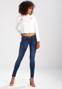 Noisy May - NMEVE POCKET PIPING - Jeans Skinny Fit - dark blue denim - 2