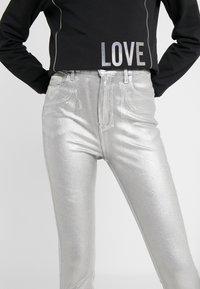 Pinko - SUSAN  - Jeans Skinny Fit - argento metallizzato - 3