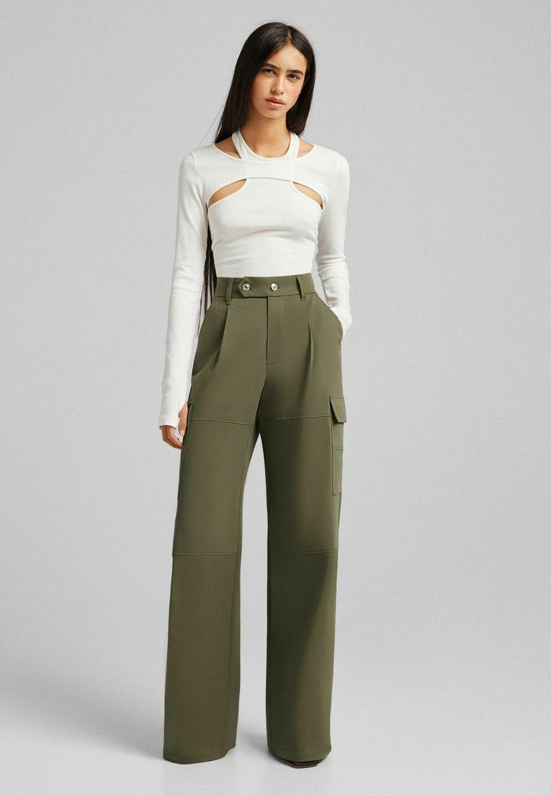 Bershka - Trousers - khaki