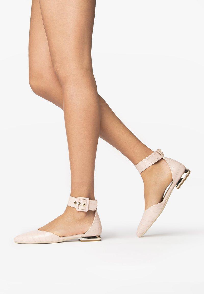 NeroGiardini - Classic heels - nudo
