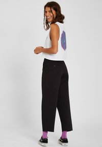 Volcom - WHAWHAT CHINO PANT - Trousers - black - 1
