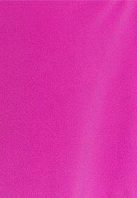 Cotton On Body - STRIKE A POSE YOGA VESTLETTE - Light support sports bra - magenta pop - 6