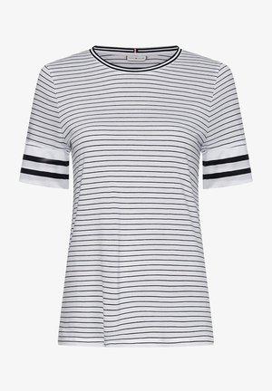 Print T-shirt - fine court stp/ white/ dsrt sky