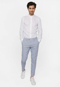 WE Fashion - MIT HAHNENTRITTM - Pantalon - blue - 3