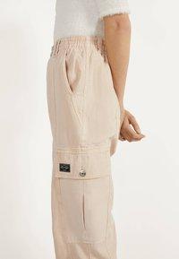 Bershka - Trousers - mottled beige - 3