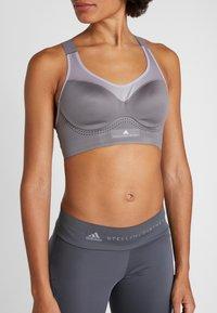 adidas by Stella McCartney - SOFT - Sports bra - explo - 3