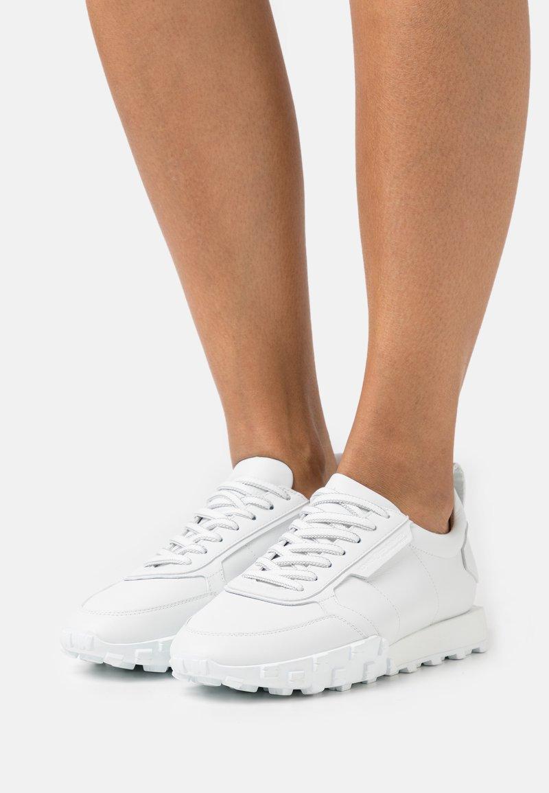 Kennel + Schmenger - BOX - Sneakers laag - bianco