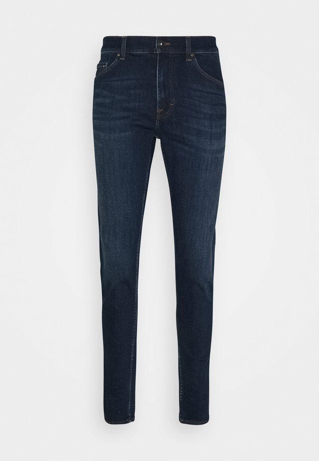 EVOLVE - Slim fit jeans - gardie