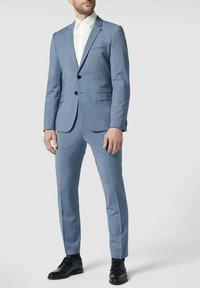 OLYMP Level Five - SLIM FIT BUSINESS AUS TWILL - Formal shirt - ecru - 1