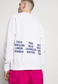 Nike Sportswear - Sweatshirt - white - 4