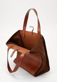 CLOSED - HOPE LONG TOTE SET - Tote bag - antique wood - 4