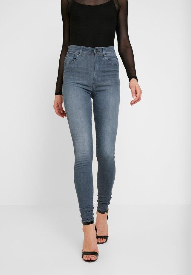 KAFEY ULTRA HIGH SKINNY - Jeans Skinny Fit - grey