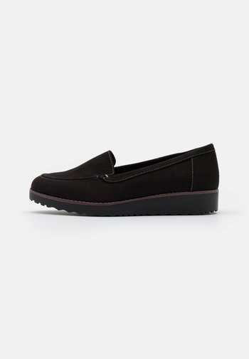 WIDE FIT CONTRAST STITCH LOAFER