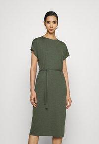 JDY - JDYURBAN GABRIELLA BELT DRESS - Jersey dress - kalamata - 0