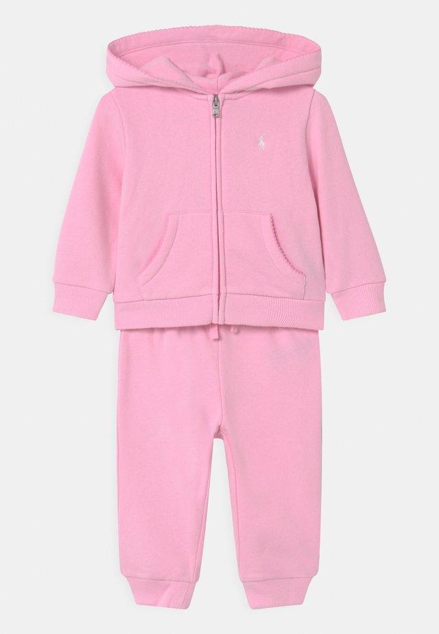 SET - Trainingsanzug - carmel pink