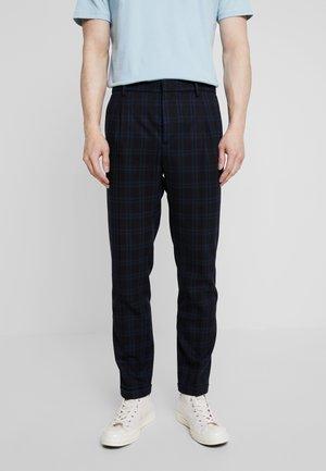 BLAKE CHIC CHINO - Trousers - combo