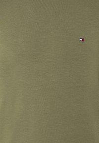 Tommy Hilfiger - SLIM FIT TEE - Long sleeved top - green - 2