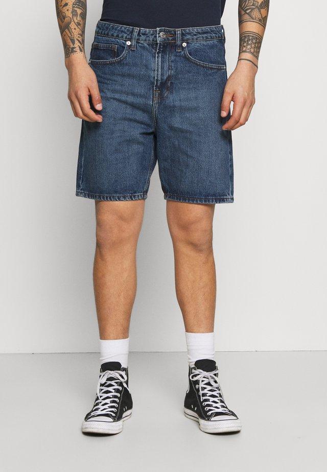 CLASSIC DAD - Shorts di jeans - dark wash