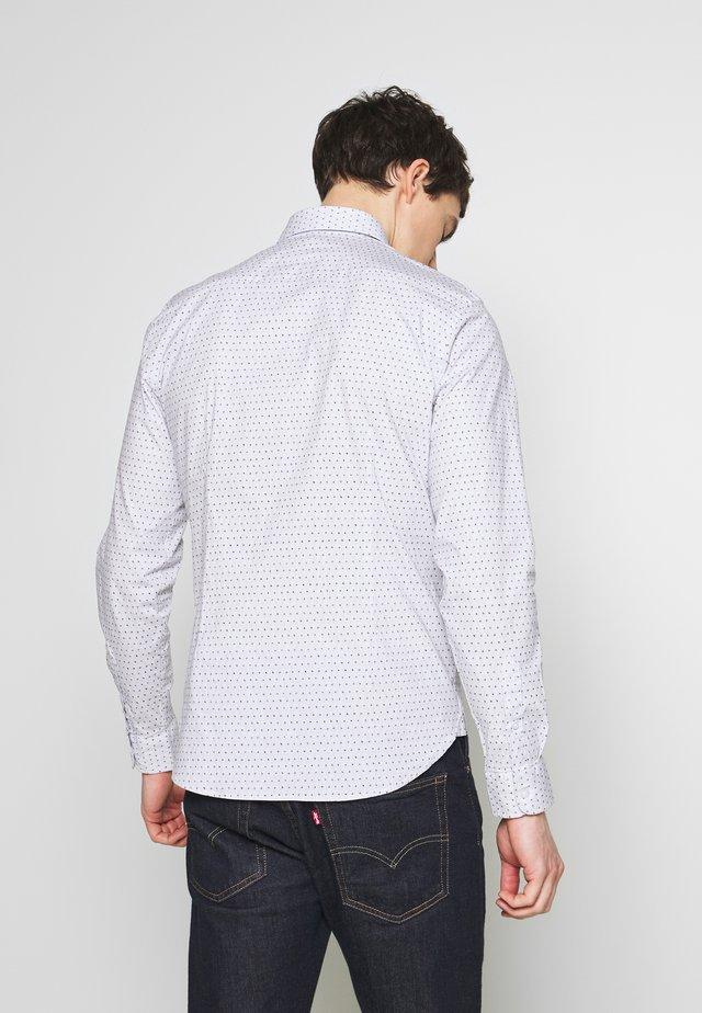 SHIRT ARTHUR - Skjorter - bright white