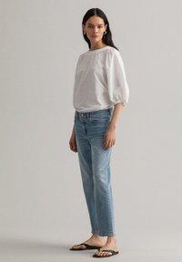 GANT - Relaxed fit jeans - light blue vintage - 0