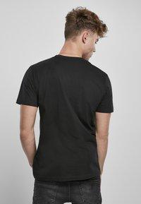Mister Tee - Print T-shirt - black - 2