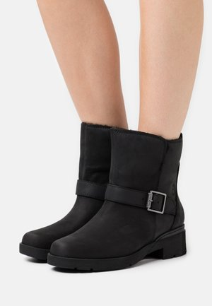 GRACEYN WP - Cowboy/biker ankle boot - black