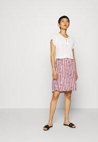 Kaffe - KAMONA SKIRT - A-snit nederdel/ A-formede nederdele - candy pink - 1