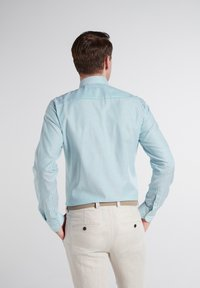Eterna - SLIM FIT - Shirt - türkis/weiss - 1