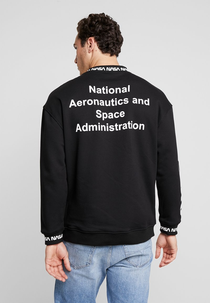 Mister Tee NASA Us Crewneck